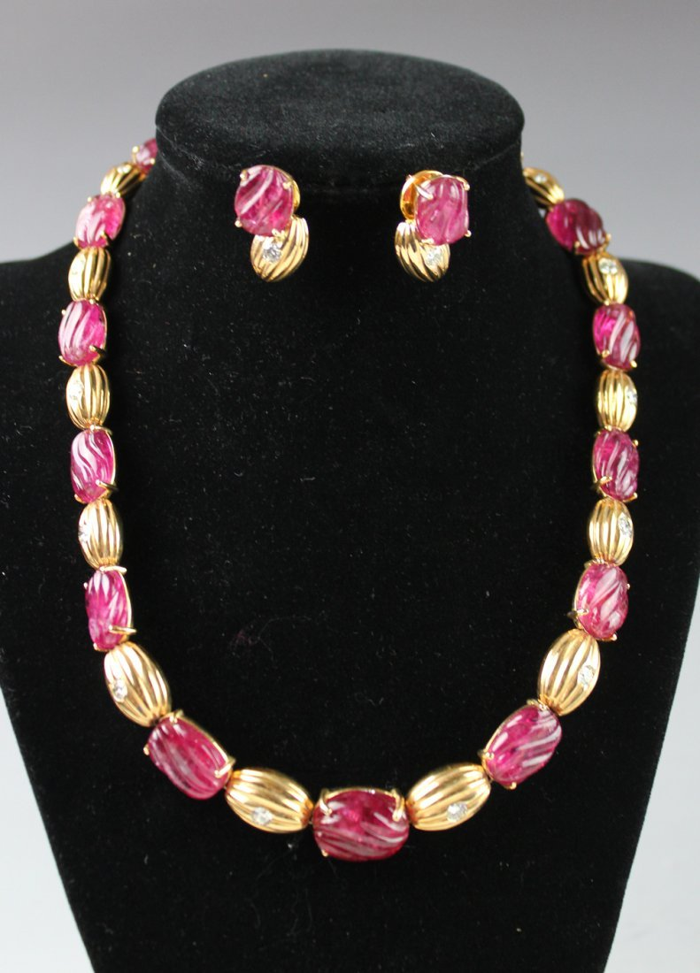 RED TOURMALINE WITH 18K GOLD DIAMOND NECKLACE AND