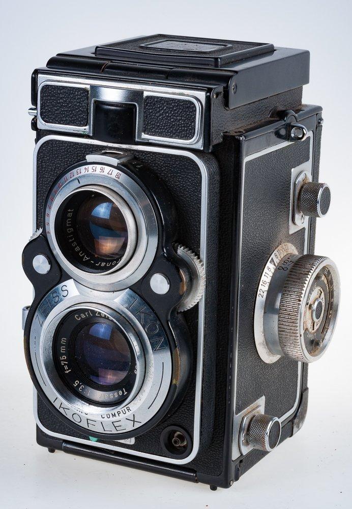 Zeiss Ikon Ikoflex Camera Circa 1956