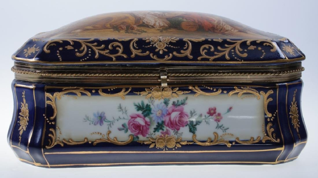 Continental Painted Porcelain Box - 4