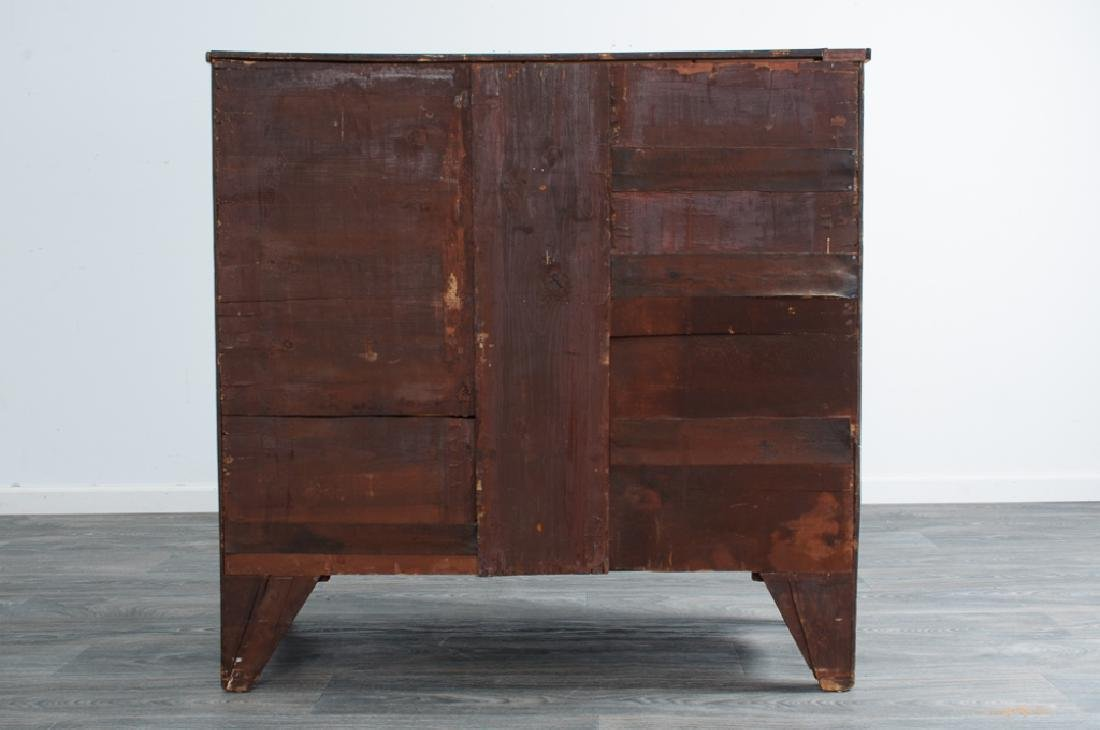 Mahogany Bow Front Chest L 18th / E 19th C - 7