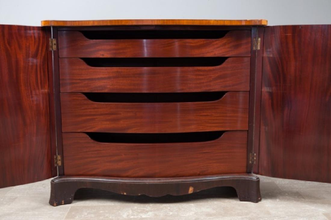 Italian Marquetry Chest of Drawers - 3