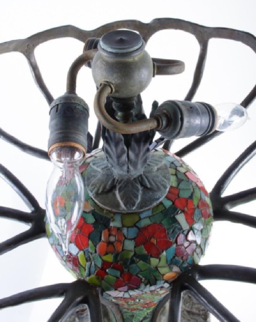 Leaded Glass Zinnia Lamp in the Manner of Tiffany - 10