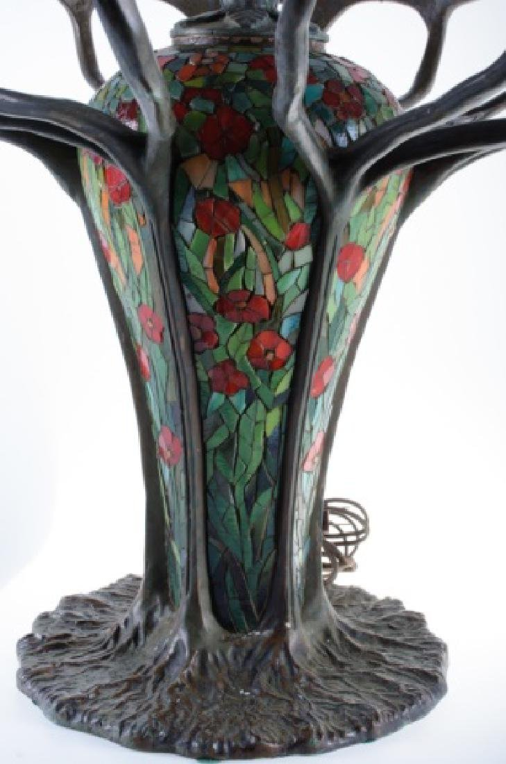 Leaded Glass Zinnia Lamp in the Manner of Tiffany - 9