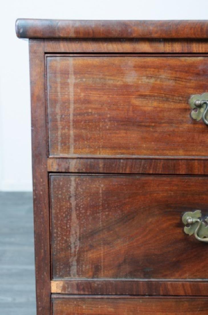 American Mahogany Chest of Drawers - 10