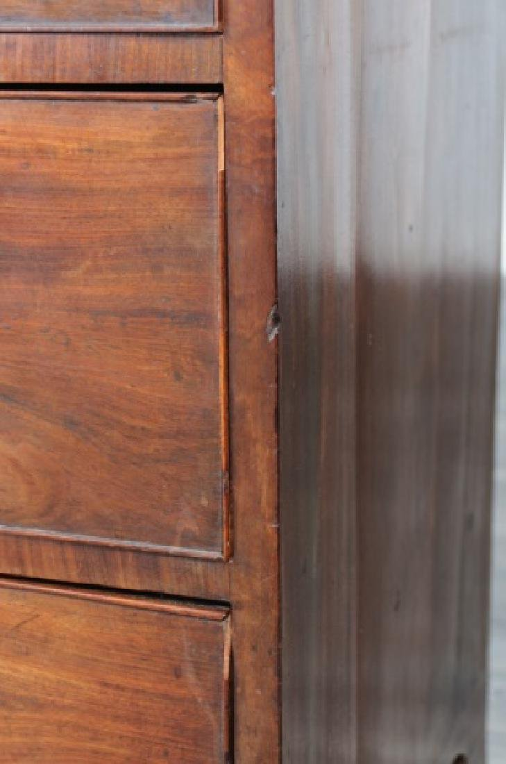 American Mahogany Chest of Drawers - 9