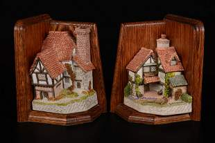 Pair of David Winter Miniatures with Bookends