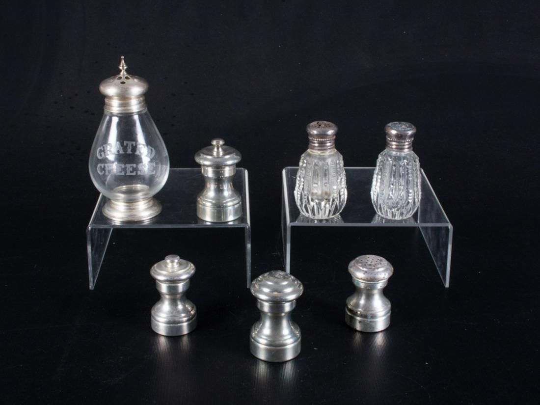 Salt and Pepper Shakers Group 7p