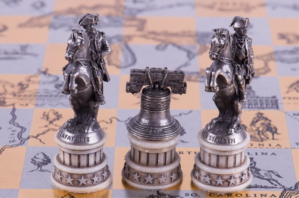 Franklin Mint Revolutionary War Chess Set - 9