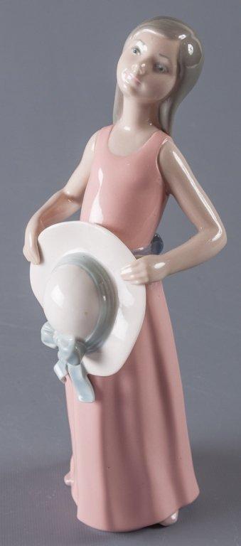 Lladro Dreamer Girl w/ Straw Hat Figure