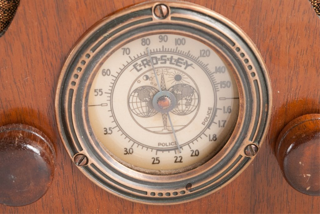 1930s Crosley Model 605 Tombstone Radio - 9