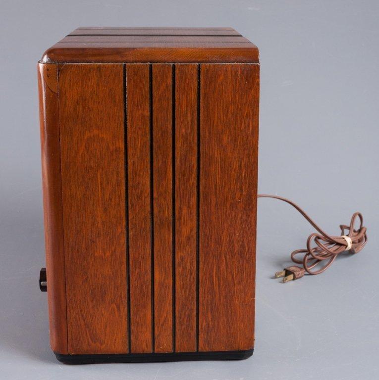 1930s Crosley Model 555 Tombstone Radio - 4