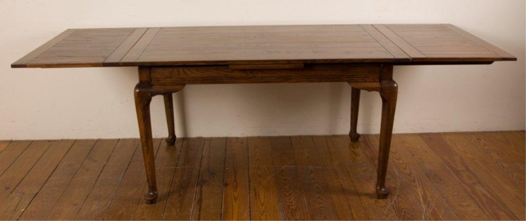 20th Century English Oak Dining Table - 2