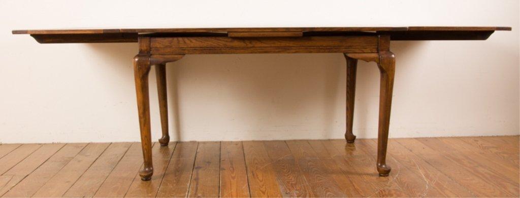20th Century English Oak Dining Table - 3