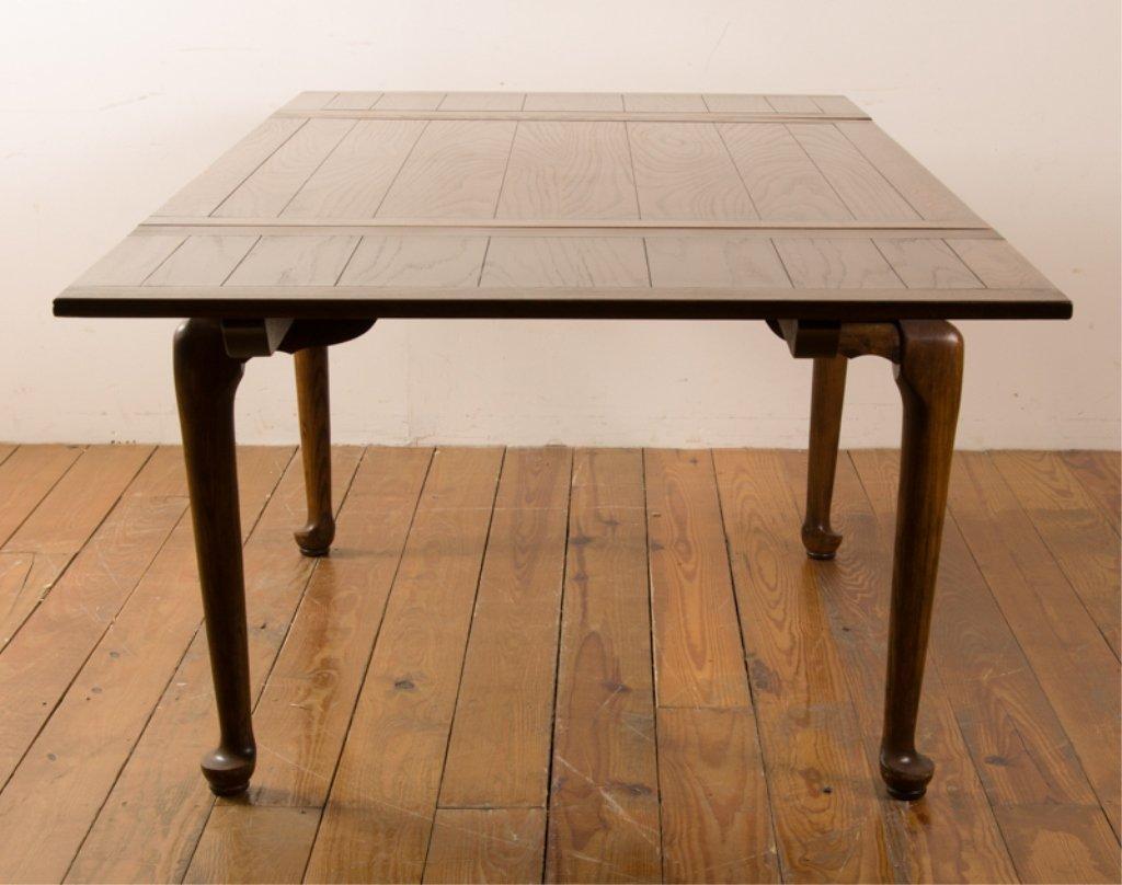 20th Century English Oak Dining Table - 4