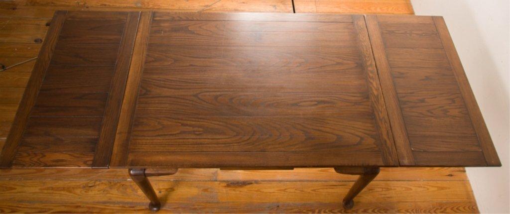 20th Century English Oak Dining Table - 5