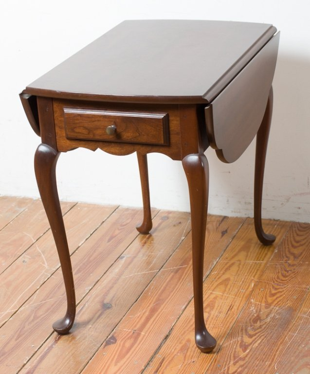 Hitchcock Queen Anne Style Butterfly Table