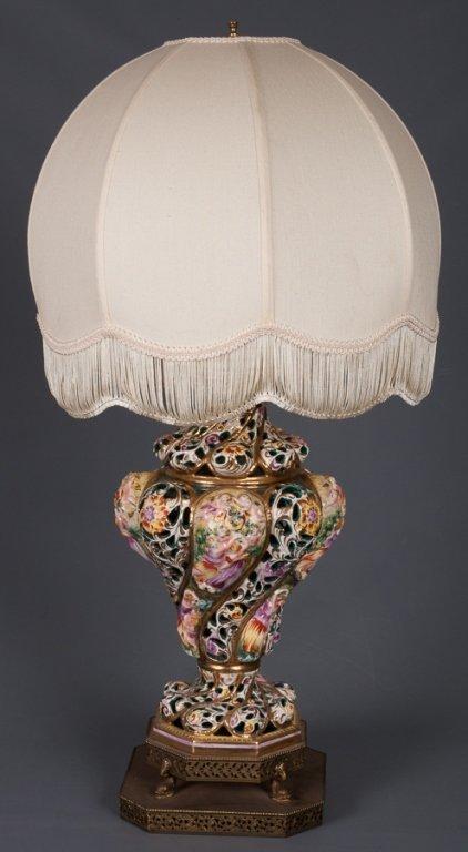 Capodimonte Figural Lamp