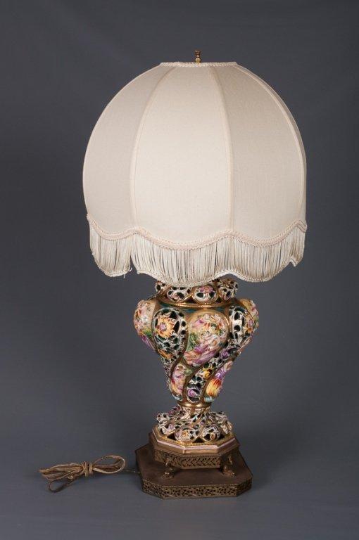 Capodimonte Figural Lamp - 4