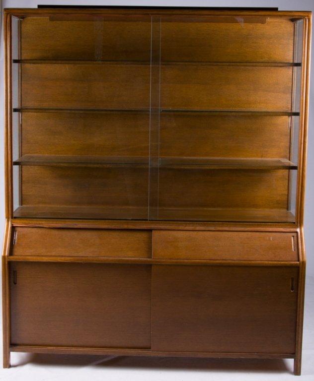Romweber Oak China Cabinet
