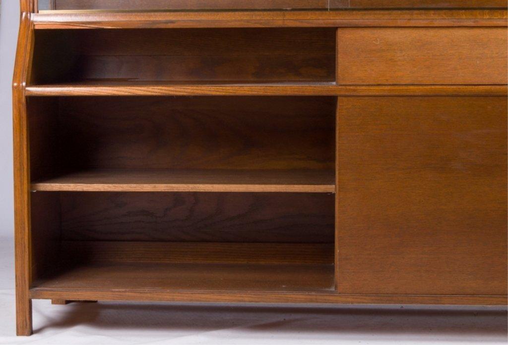Romweber Oak China Cabinet - 2