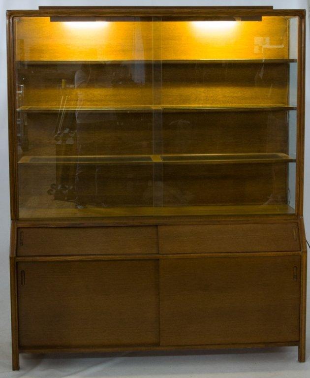 Romweber Oak China Cabinet - 4