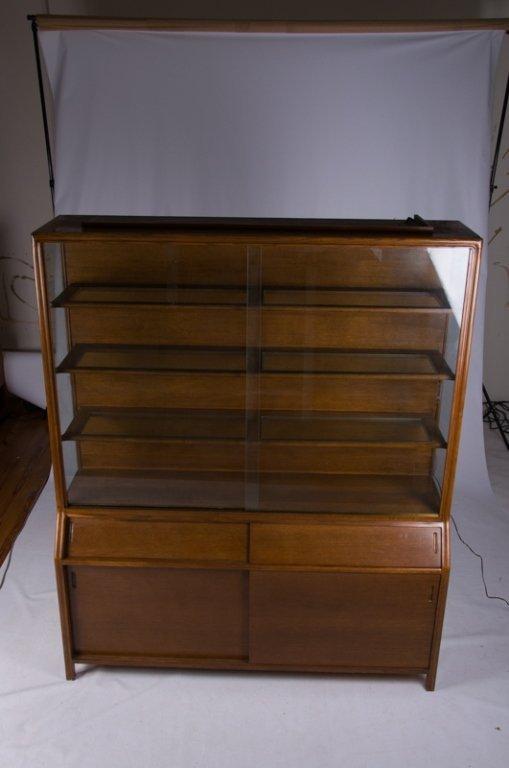 Romweber Oak China Cabinet - 5