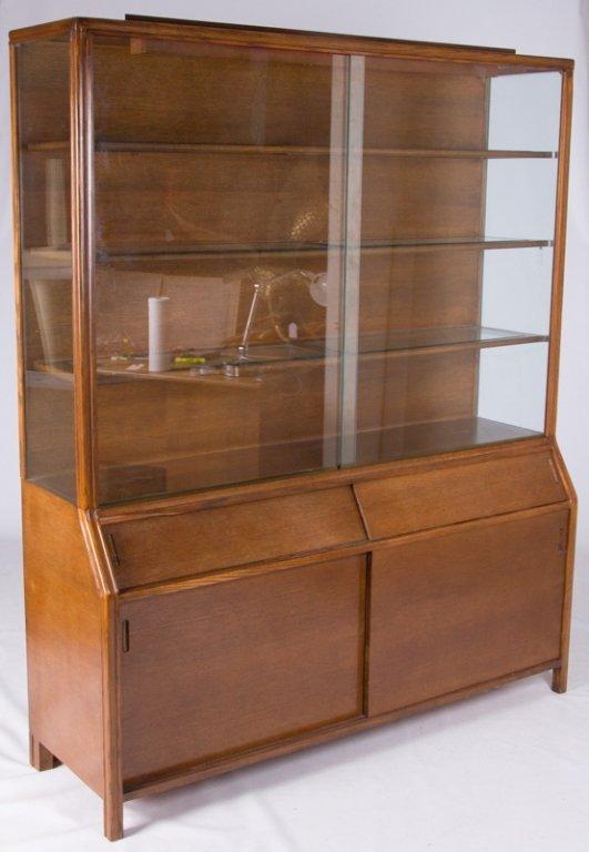 Romweber Oak China Cabinet - 7