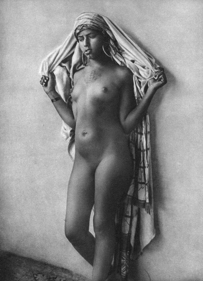 (Nude) Lehnert & Landrock - Bedouin Woman - Gravure
