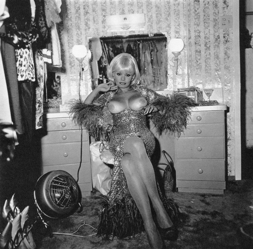 Diane Arbus - Carol Doda,  S.F. 1968