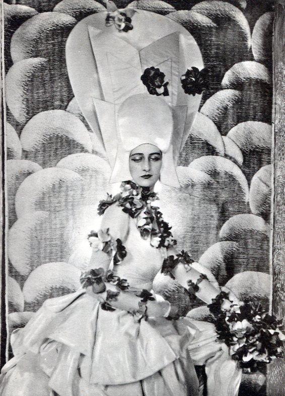 Cecil Beaton - Honble. Mrs Inigo Freeman-Thomas