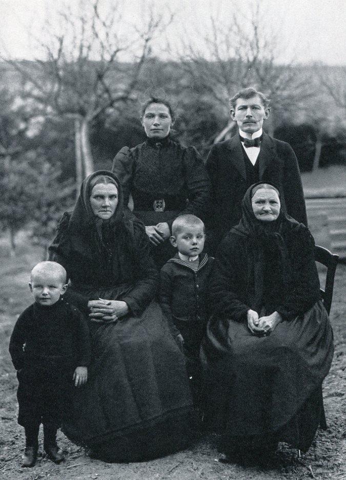 August Sander - Farming Family - Photogravure