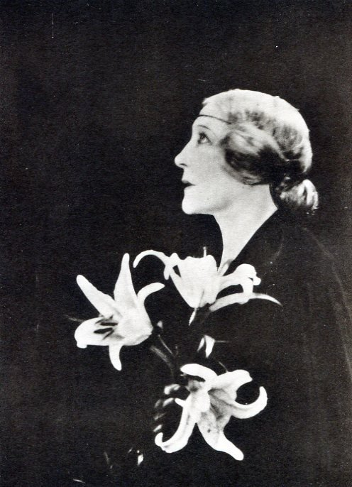 Cecil Beaton - The Jersey Lily