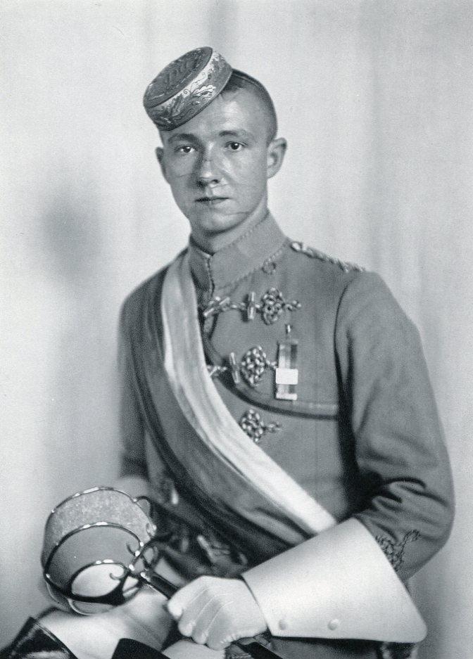 August Sander - Nuremberg Student Corps - Gravure