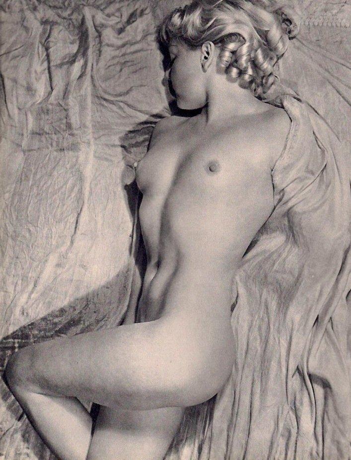 Blumenfeld, Erwin - Nude