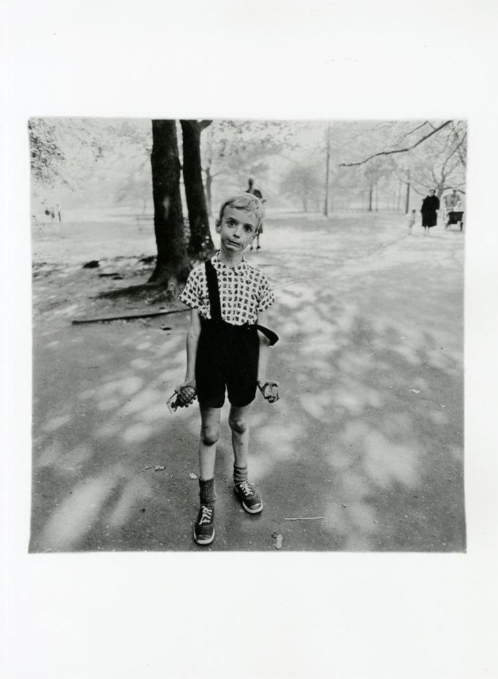 Arbus, Diane - Child with a Toy Hand Grenade, NY