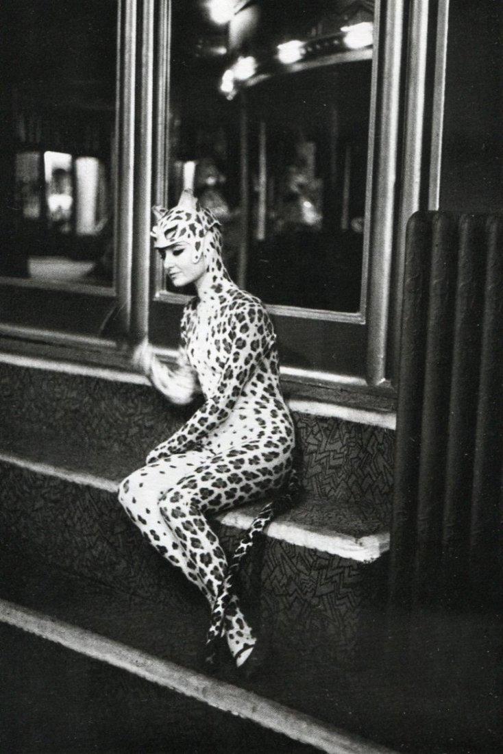 Boubat, Edouard - Leopard , Folies-Bergere 1962
