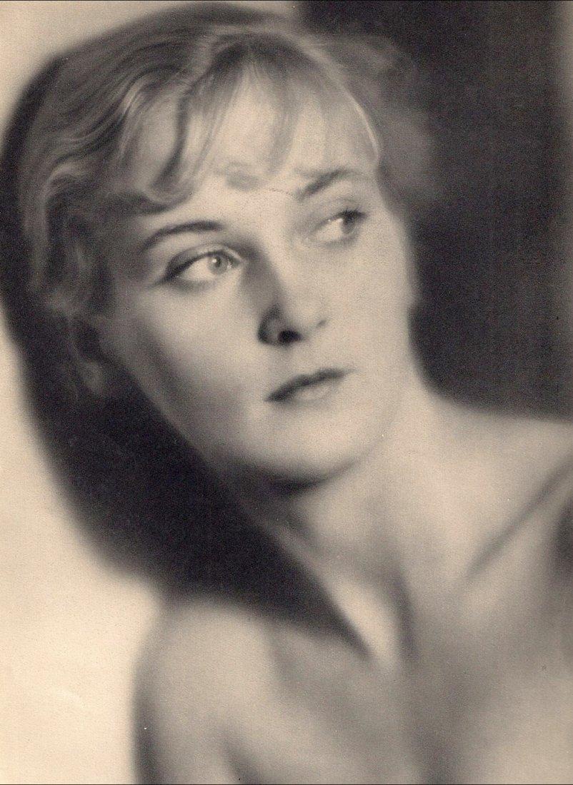 Albin-Guillot, Laure - Mrs Hubbel
