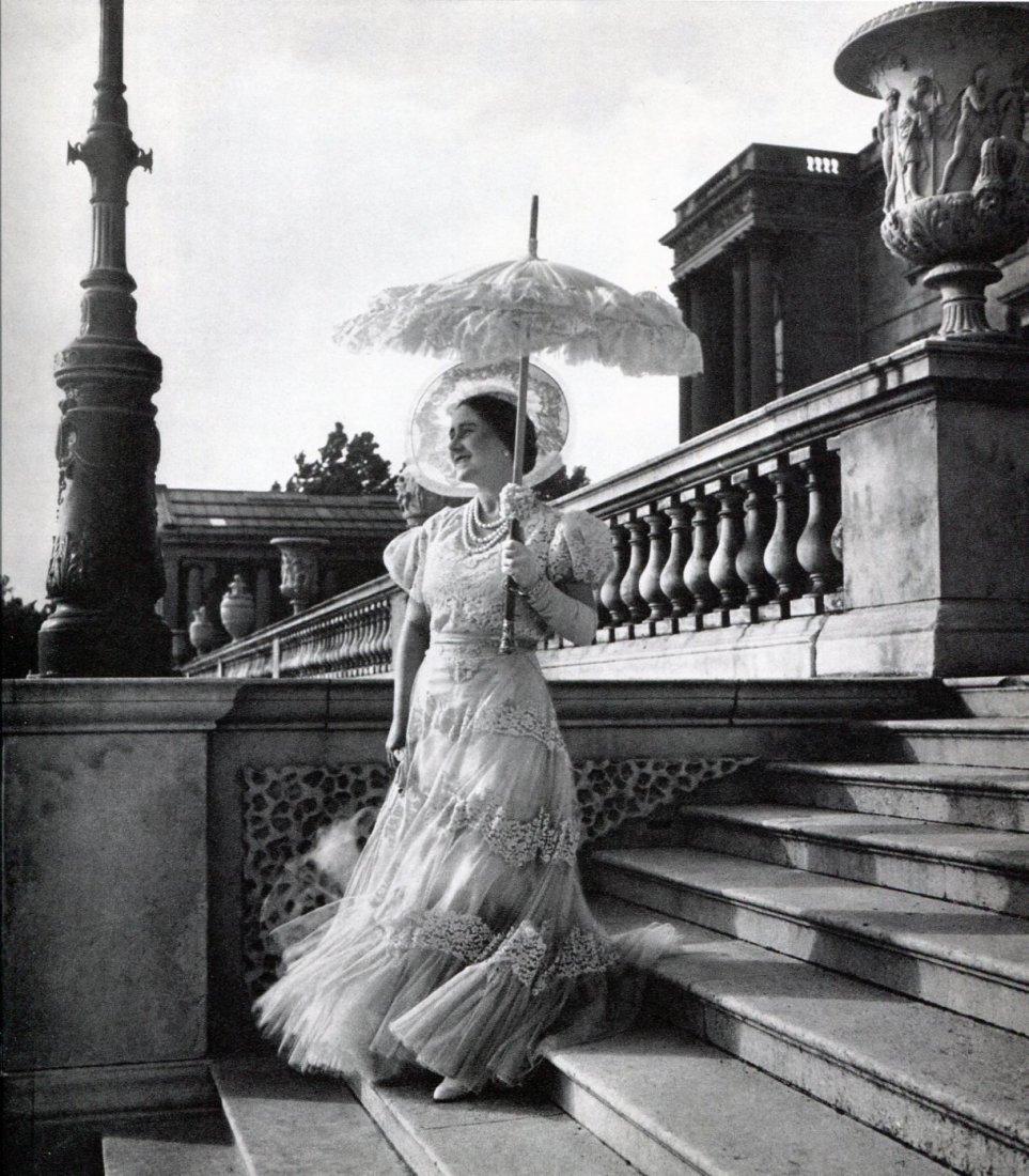 Beaton, Cecil - Queen Mother Elisabeth, 1939