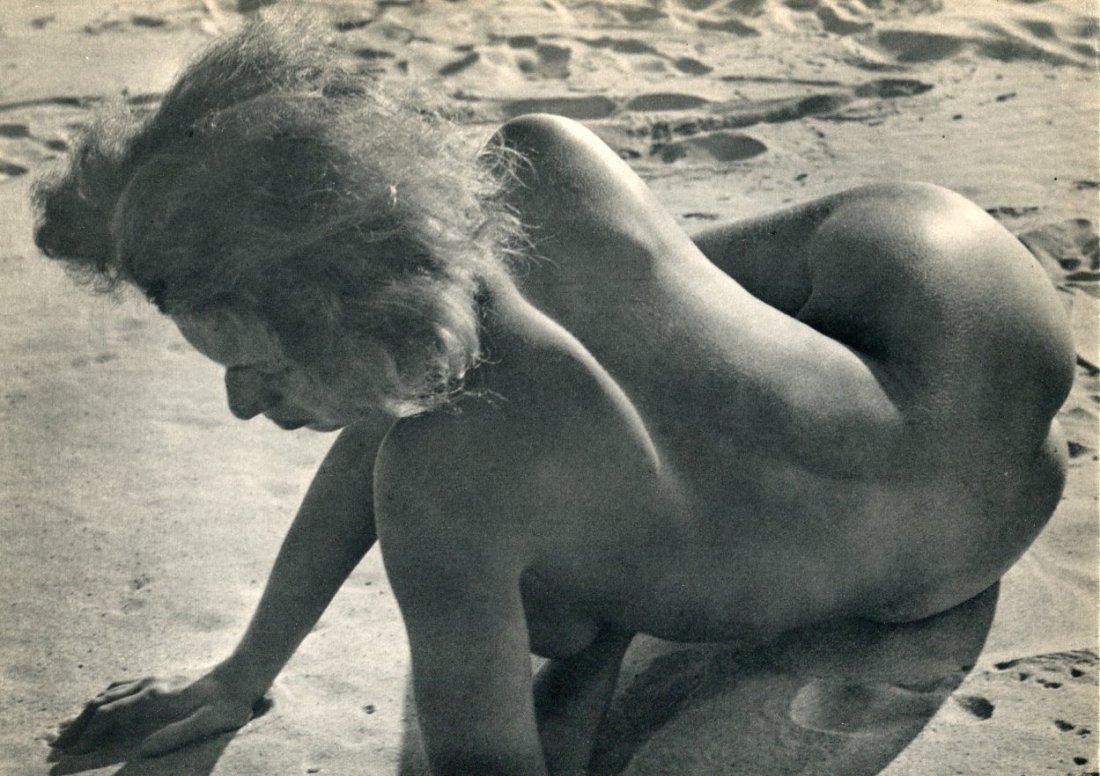 Hausmann, Raoul - Nude on sand