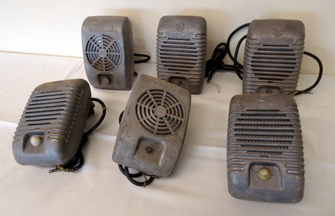 Lot of 6 Drive-in-Speakers