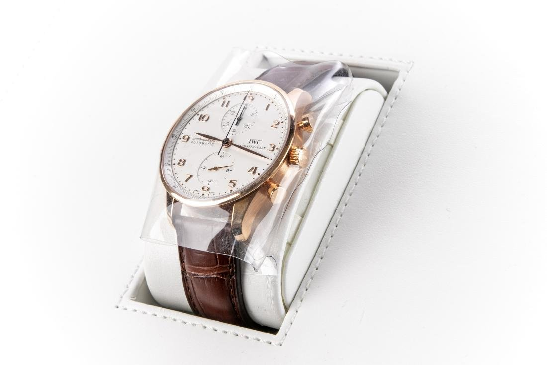 International Watch Co. 18K Rose Gold Watch With Case - 6