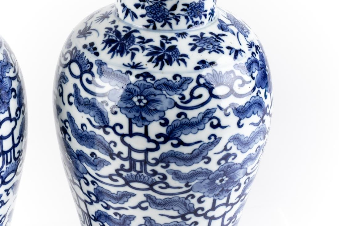 Pair Of Antique Chinese Blue & White Ginger Jars - 2