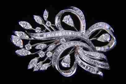 EXQUISITE DIAMOND & PLATINUM CUSTOM MADE BROOCH