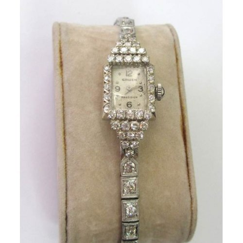 14K GRUEN DIAMOND VINTAGE DRESS WATCH - WL1830