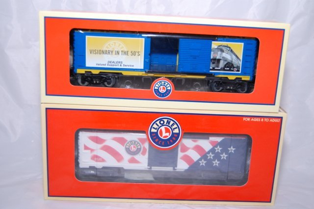 Lionel Set of Two Box Cars