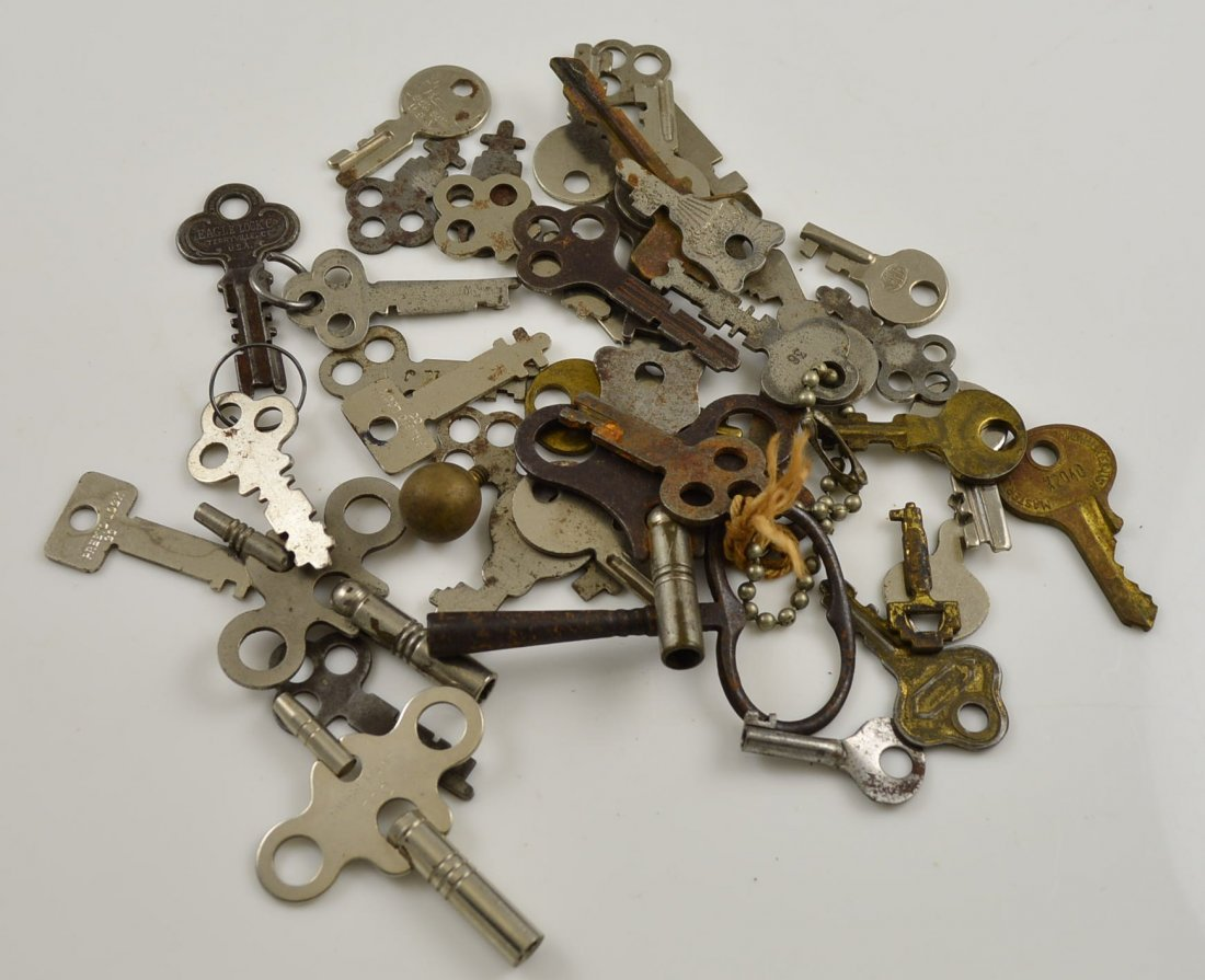 Lot of 42 Vintage Keys
