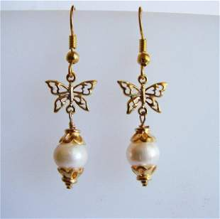 Natural Freshwater Pearl 8 mm Earring 18k Y/g Overlay
