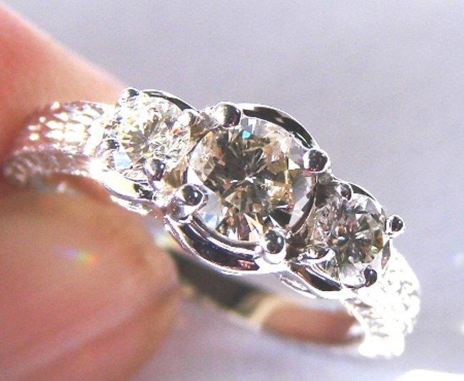 Engagement Diamond Ring : 1.65 Carat 14K White Gold