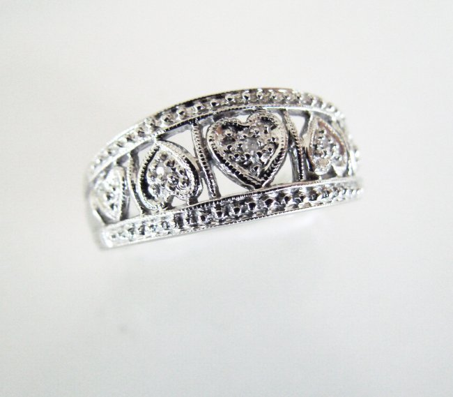 Anniversary Ring Diamond :.05 Carat 10K White Gold