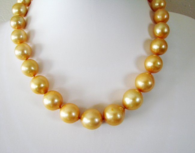 "Golden South Sea Pearl 12.5 mm Necklace 17.5""inch"
